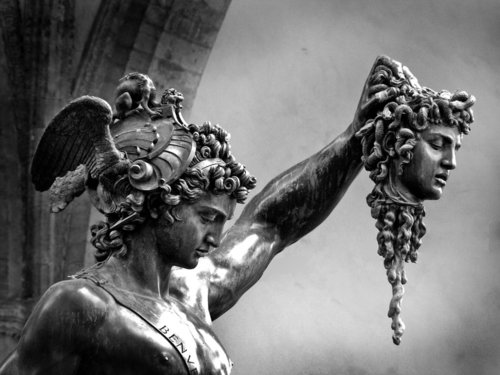 Персей убиває горгону Медузу