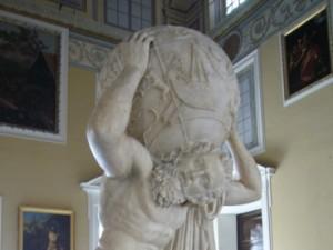 Атлас з колекції Фарнезе (римська копія грецької скульптури, 2 століття до н. е.., Національний археологічний музей, Неаполь)