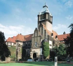 Університет в Дрездені: не лише математика і техніка
