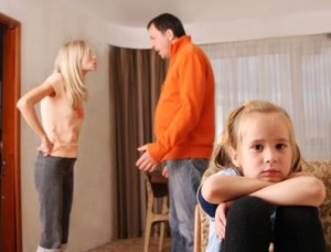 Конфліктуючи при дитині, батьки підривають її здоров'я, з'ясували лікарі