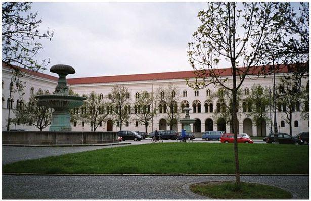 Головний корпус Мюнхенського університету