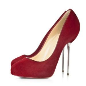 Ортопеди не радять носити взуття з підборами вище 5 сантиметрів