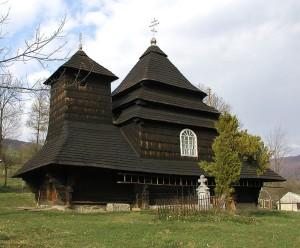 Церква Св. Архистратига Михаїла (1745) в селі Ужок Великоберезнянського району Закарпаття