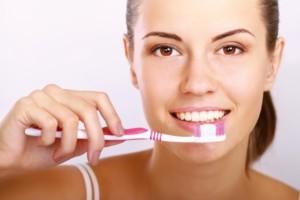 Існує кілька методів чистки зубів, однак жоден з них не є загальновизнаним