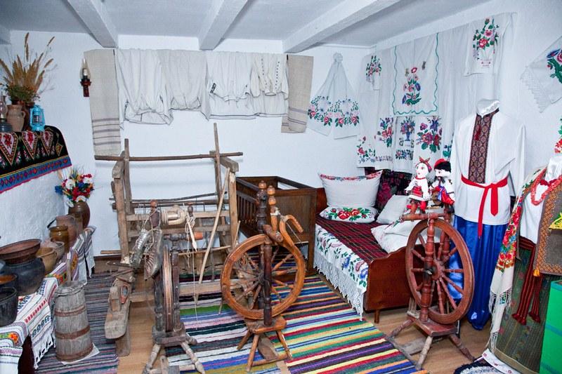 В українській хаті - Шкільне життя