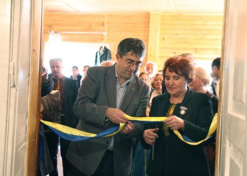 Юрій Підлісний і Наталія Осьмак відкривають музей