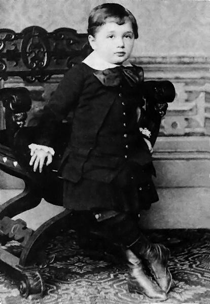 Альберт Ейнштейн у віці 4-х років