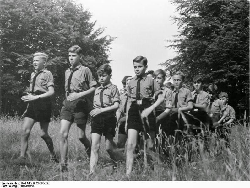 «Гітлерюгенд» була заснована 3-4 липня 1926 року у Веймарі