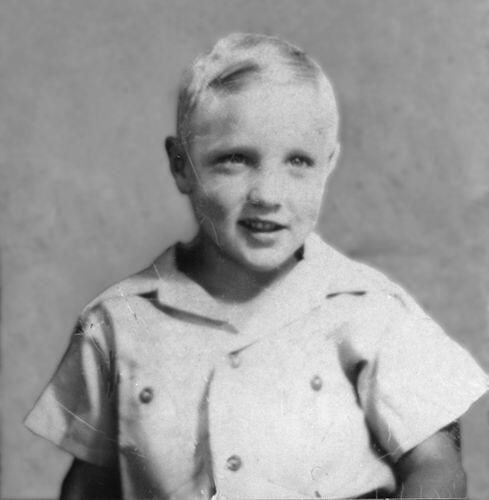 Елвіс Преслі у віці шести років