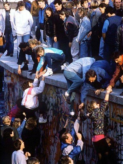 Падіння Берлінської стіни , 1989