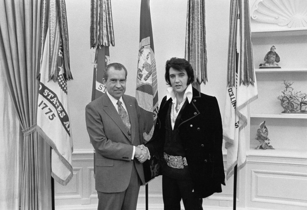 Преслі і президент США Річард Ніксон в Білому Домі, грудень 1970