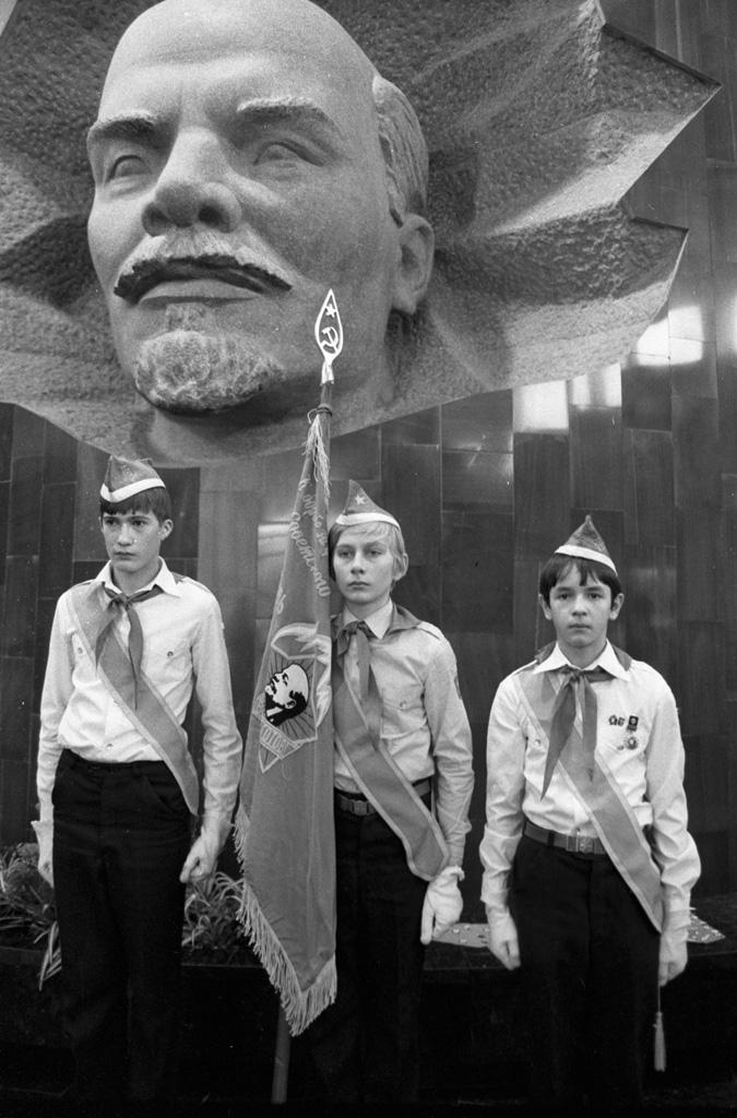 Почесний караул в музеї В. І. Леніна
