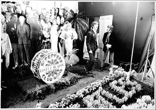 The Beatles під час фотосесії , 30 березня 1967