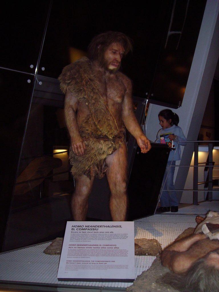 Неандерталець - Шкільне життя