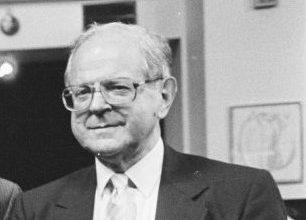 Photo of У США у віці 98 років помер англо-американський історик Роберт Конквест, який вивчав злочини комуністичного режиму в Радянському Союзі